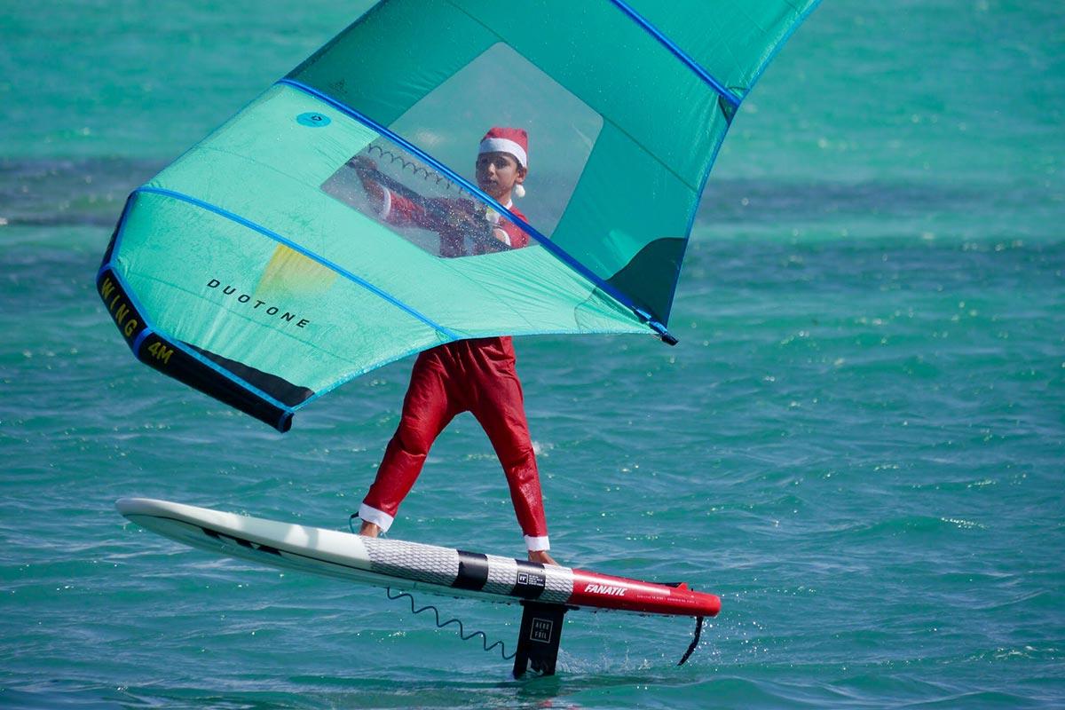 Les lutins du Père Noël sous le soleil de Guadeloupe