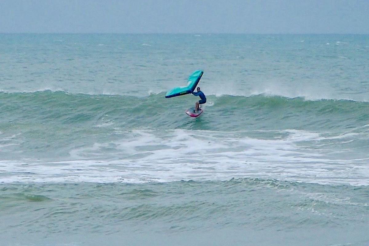Photo du jour : Dans les vagues d'Imbituba