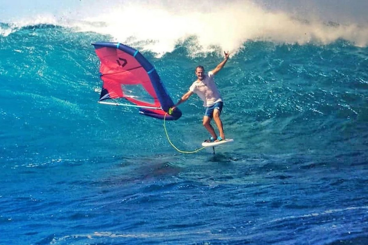 Photo du jour : Jaime Herraiz s'amuse dans les vagues