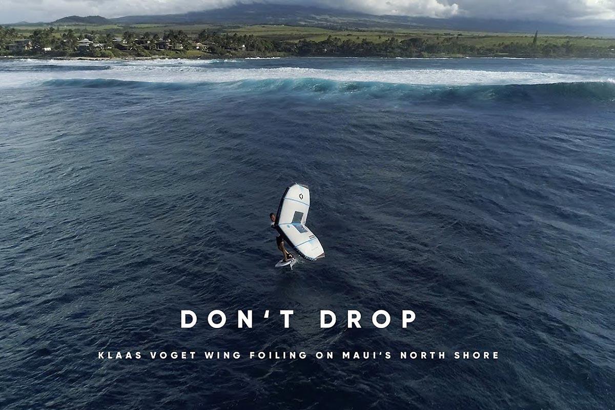 Klaas Voget dans les vagues de Maui