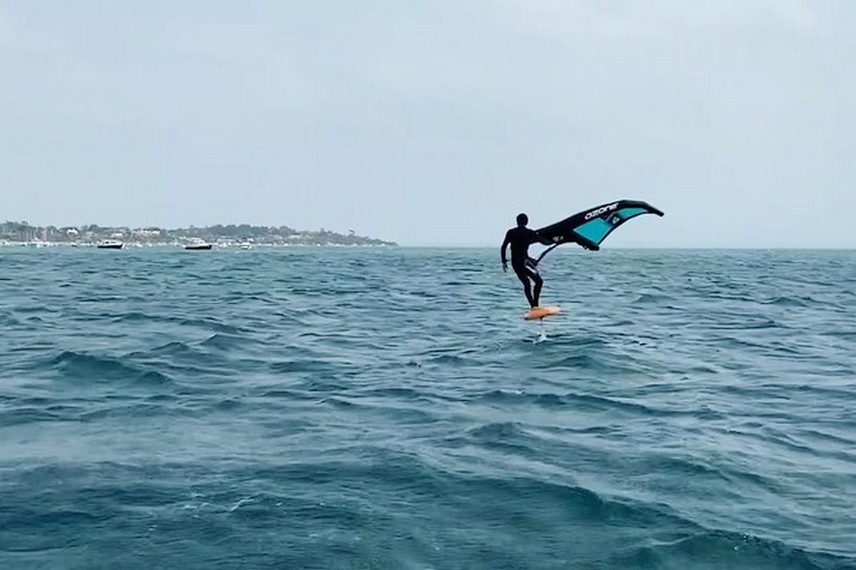 Thomas Goyard en wingfoil en Australie